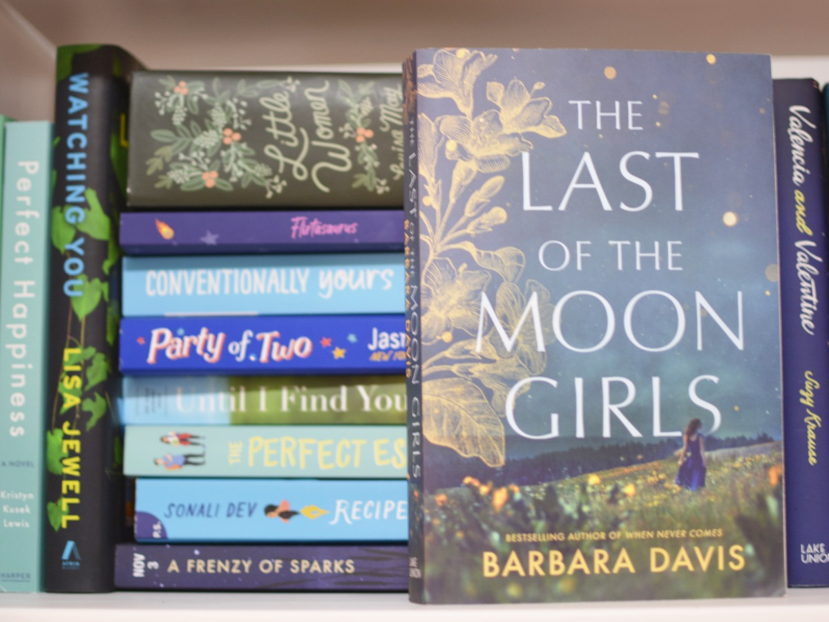 @booksaremagictoo review of The Last of The Moon Girls by Barbara Davis with @suzyapprovedbooktours